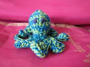 pieuvre en crochet bleu et vert
