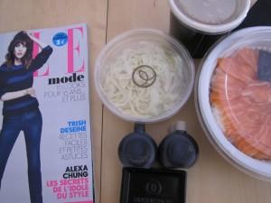 Elle, chirashi, soupe miso, salade de chou