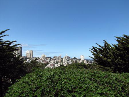 La vue depuis le parking de la Coit Tower
