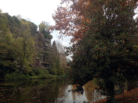 Mnemosune-buttes-chaumont-4