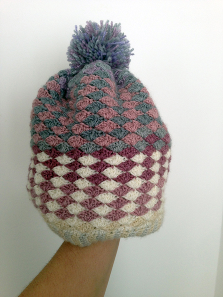 Shell stitch beanie bonnet point coquillage avec pompon